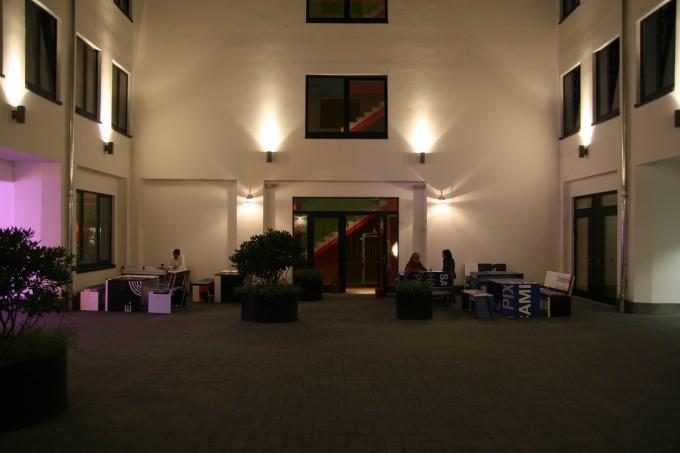 25hours Hotel by Levi's Innenhof
